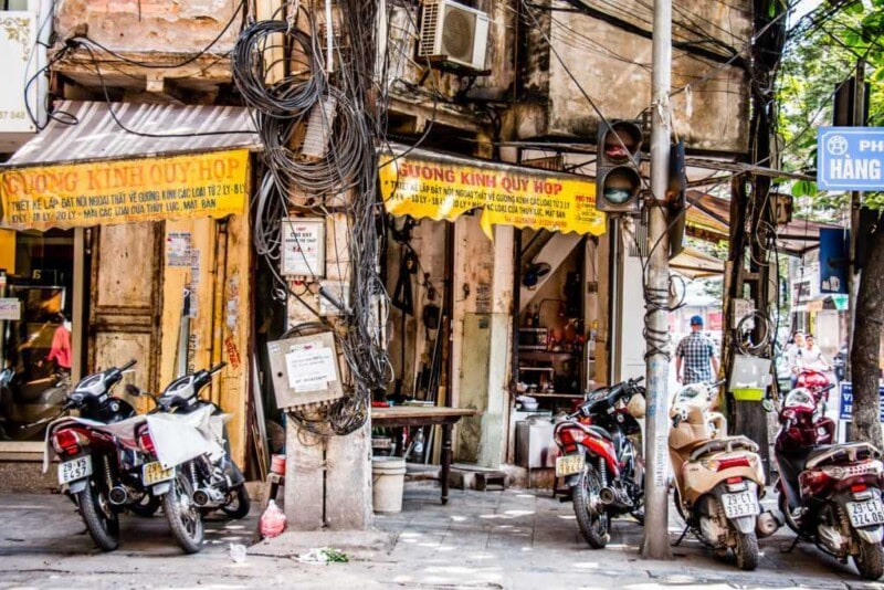 Traffic in Hanoi: a survival guide