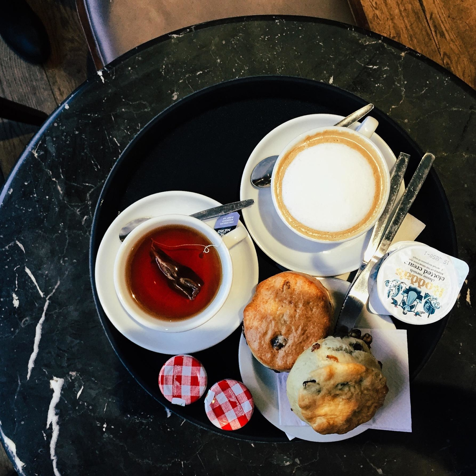 Tea with scones