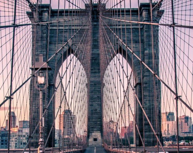 Sunrise at the Brooklyn Bridge: The perfect sunrise in New York!