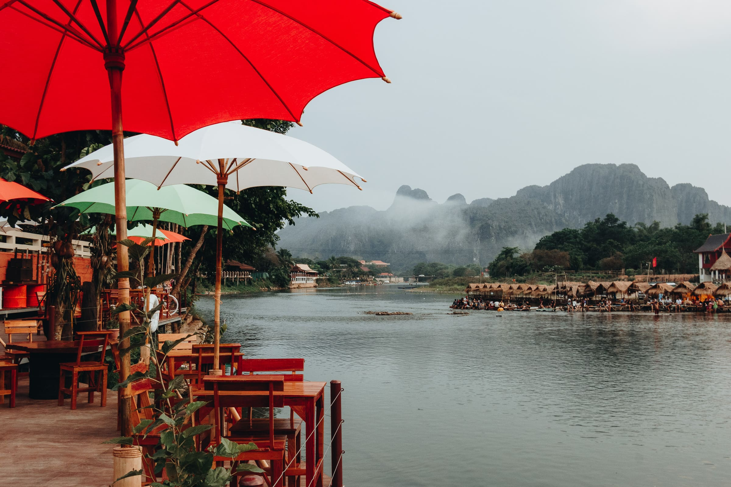 Vang Vieng: Party mitten im laotischen Nirgendwo