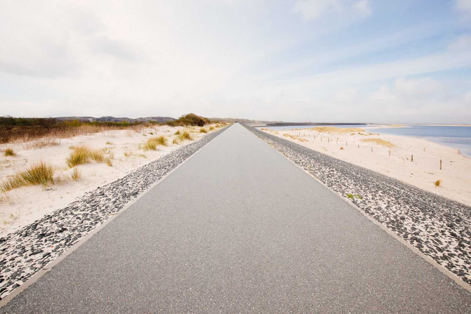 Sylt Sehenswürdigkeiten Lister Ellenbogen Wandern Düne Strand Straße