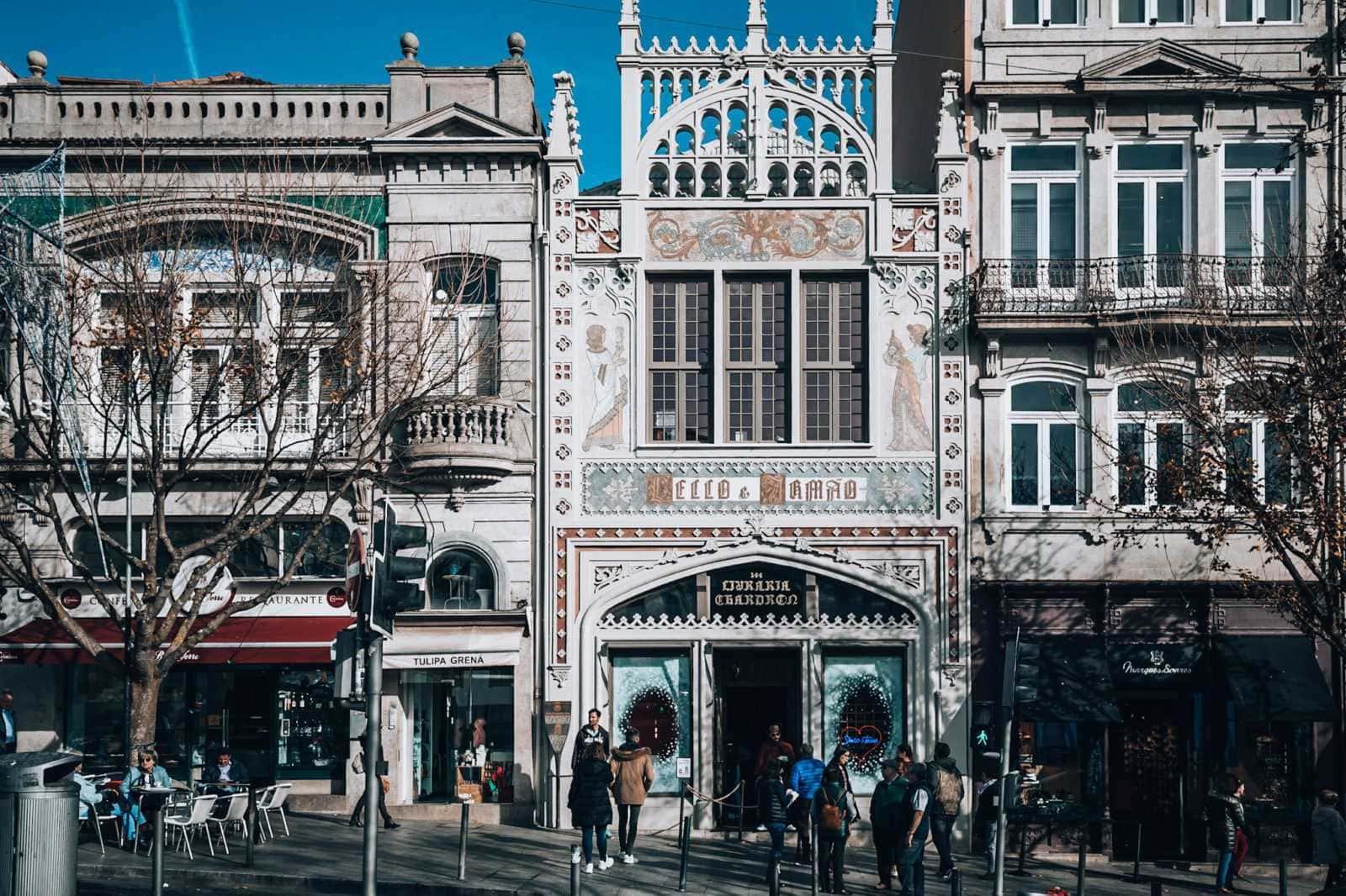 Fassade Livraria Lello e Irmão Porto Portugal
