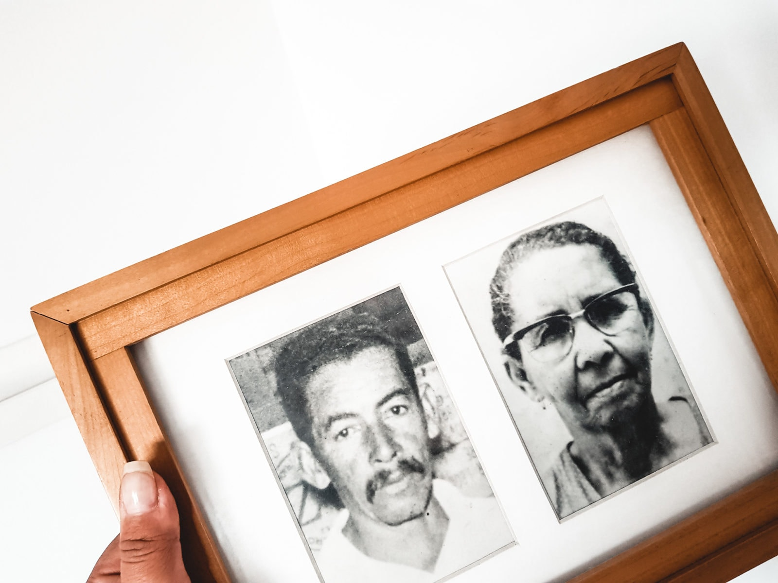 familienfoto brasilien paar schwarz weiß