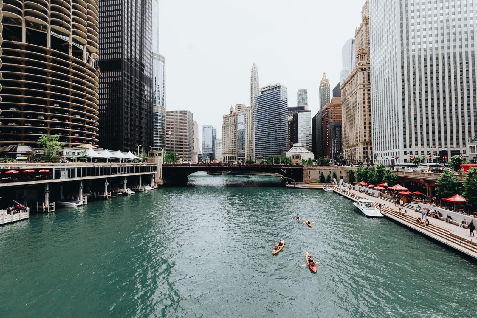 Chicago Sehenswürdigkeiten Chicago River Kajak fahren