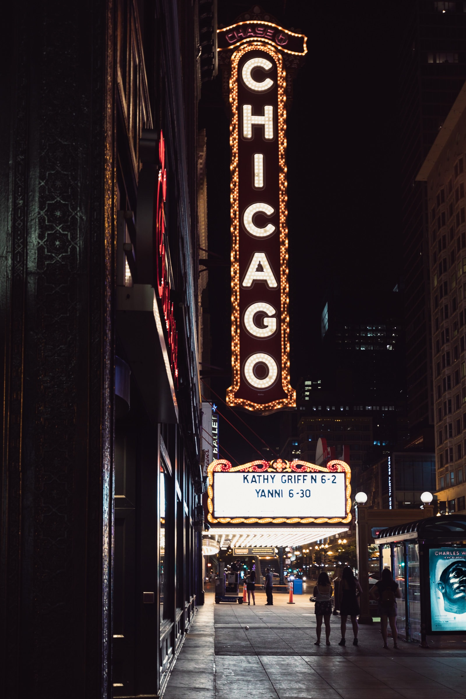 Best Things to do in Chicago Theatre by night