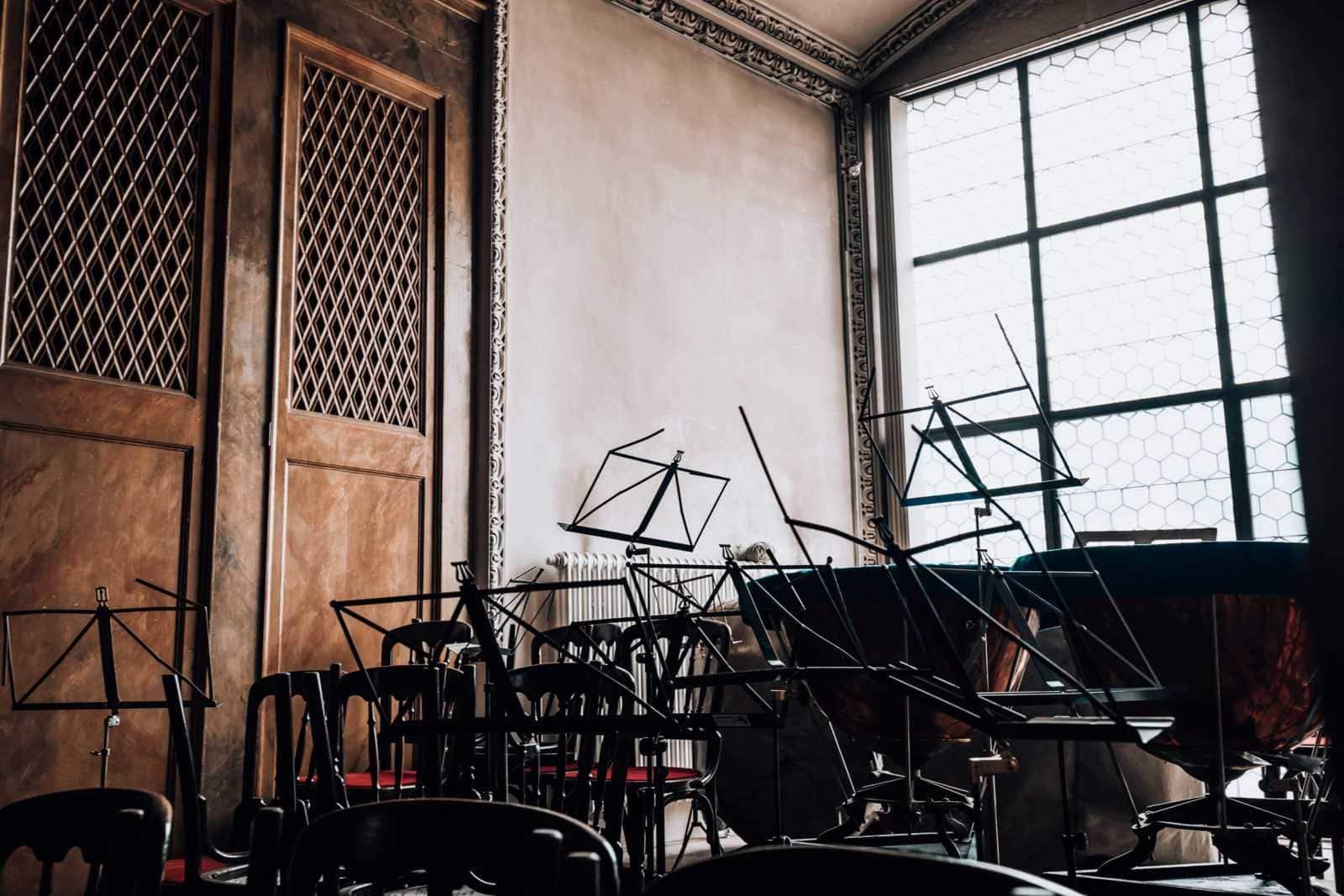 Orchester auf der Empore im Dom zu Salzburg