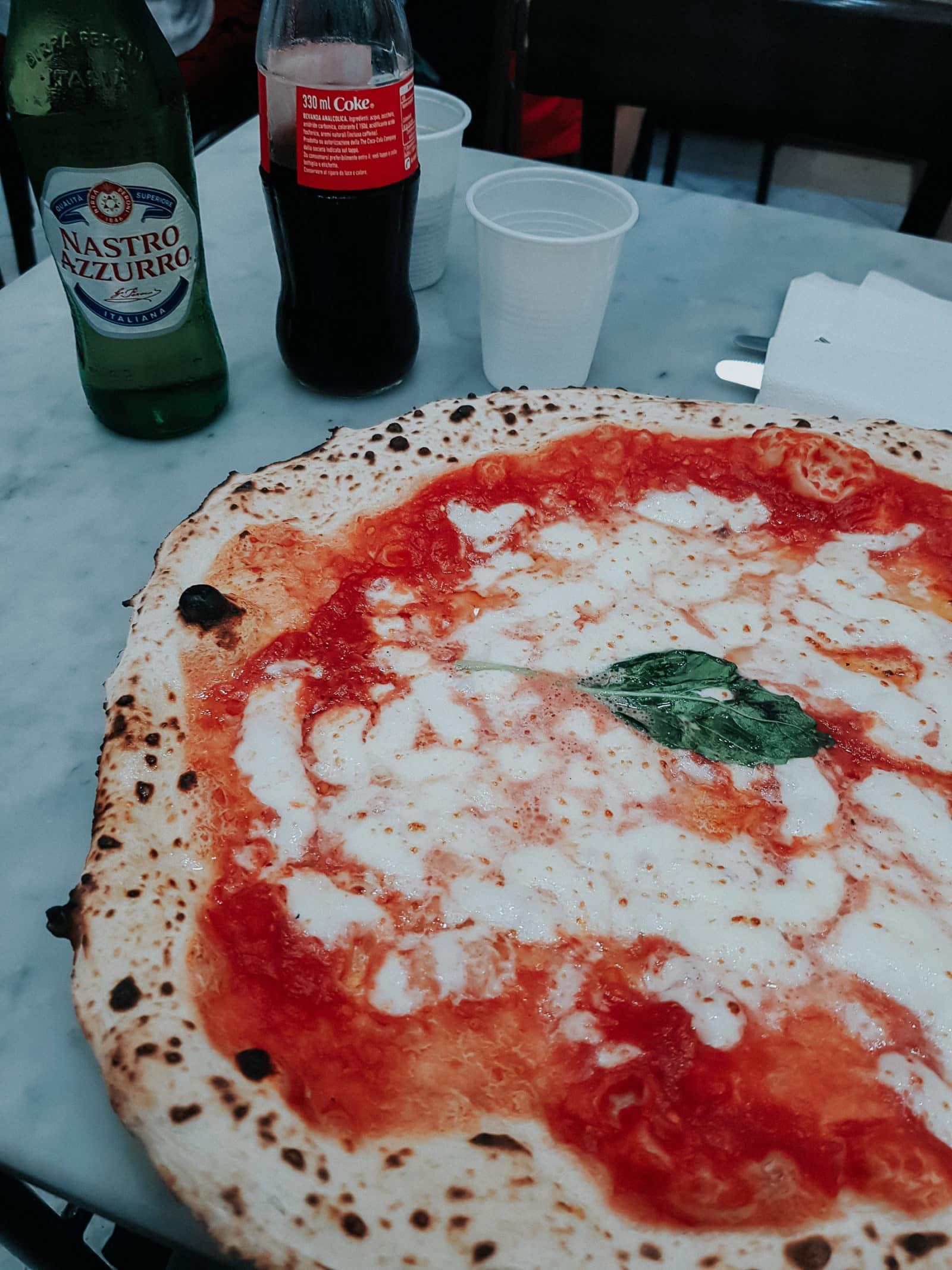 Pizza Neapel beste Pizza Margherita bei Da Michele