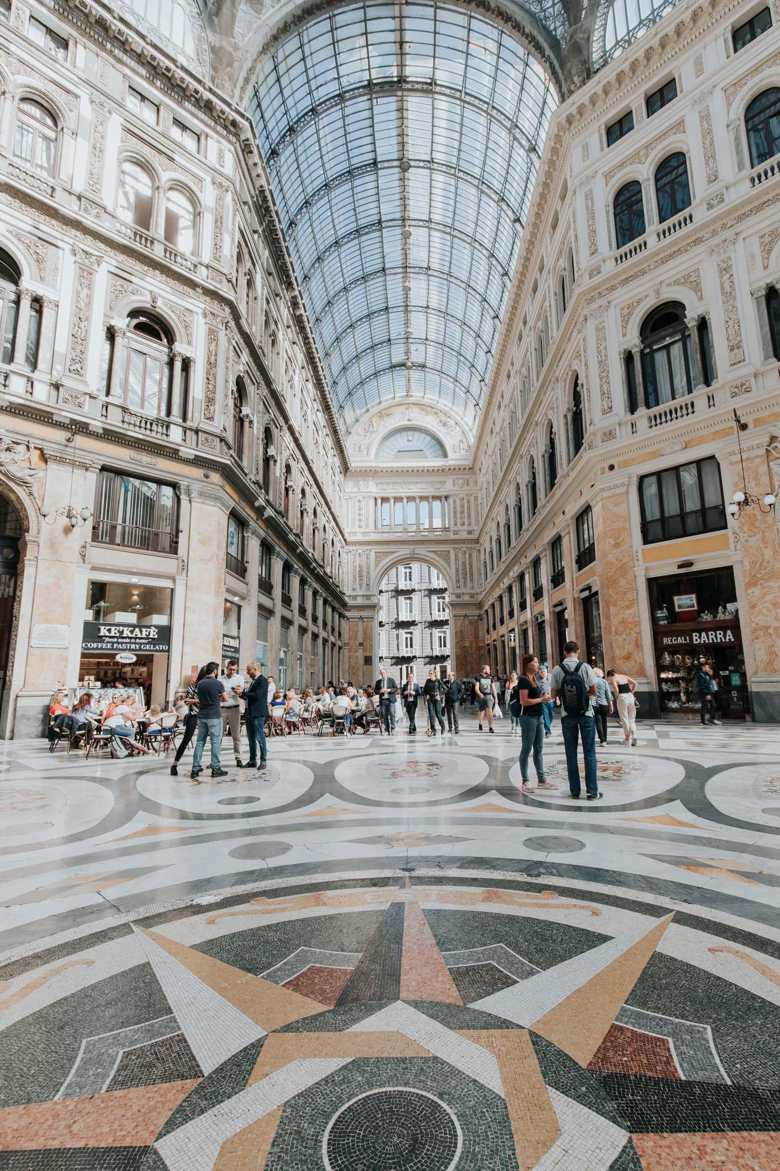 Neapel Sehenswürdigkeiten Galleria Umberto I