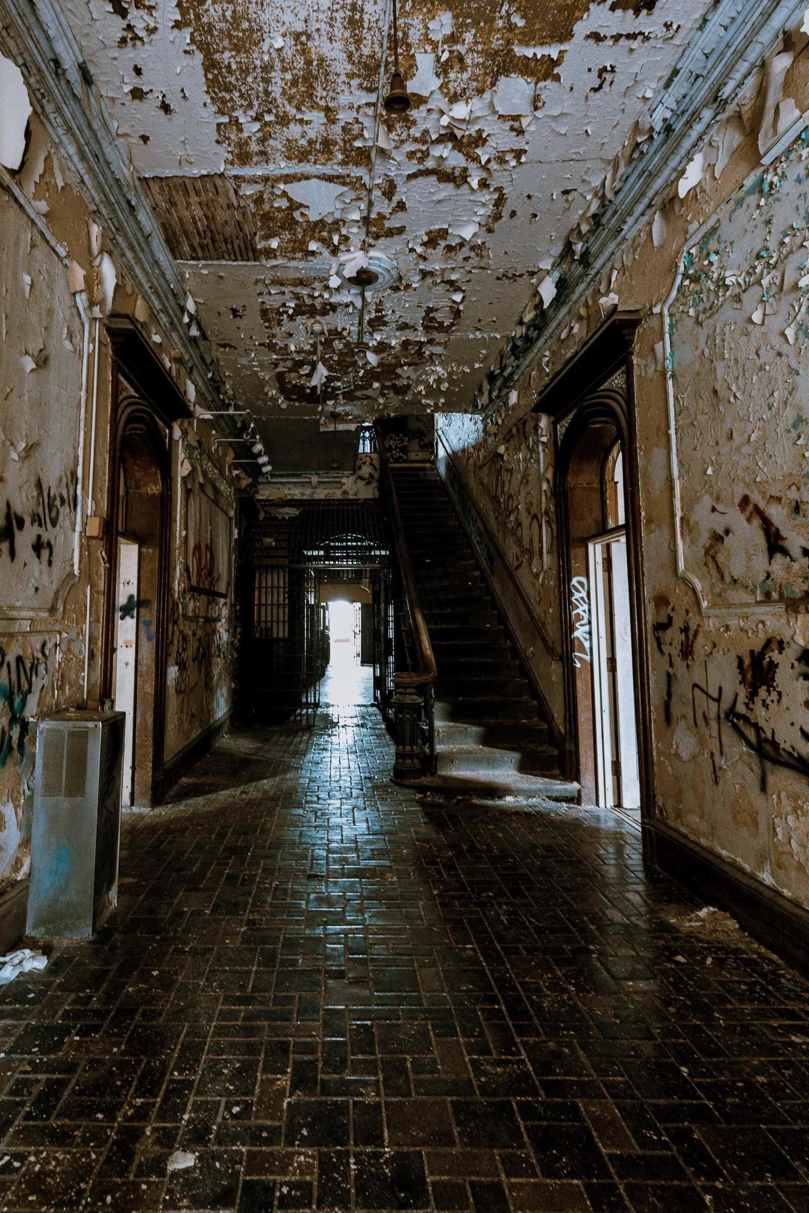 Flur in verlassenem Gebäude in Illinois