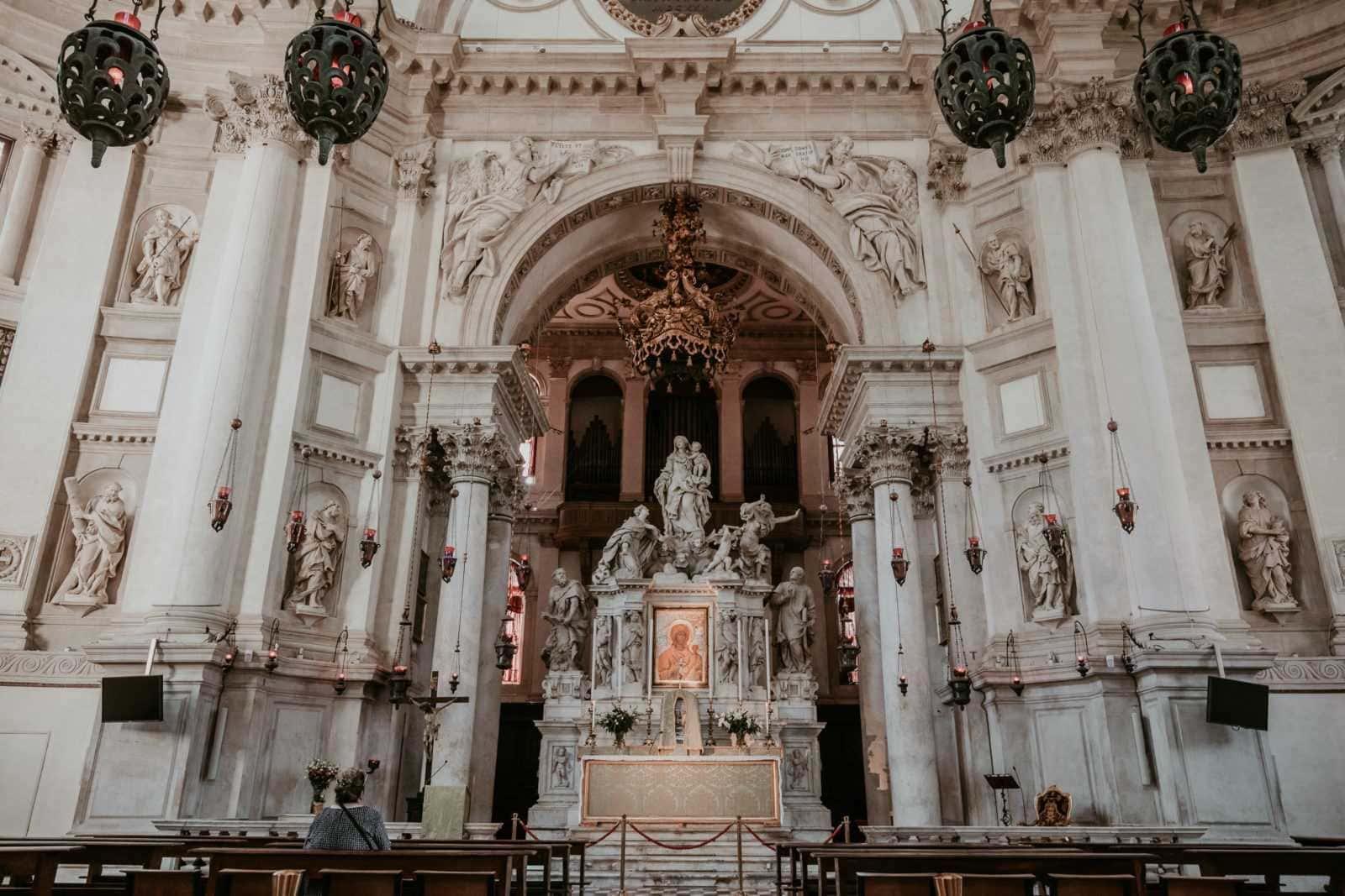kirche innen venedig