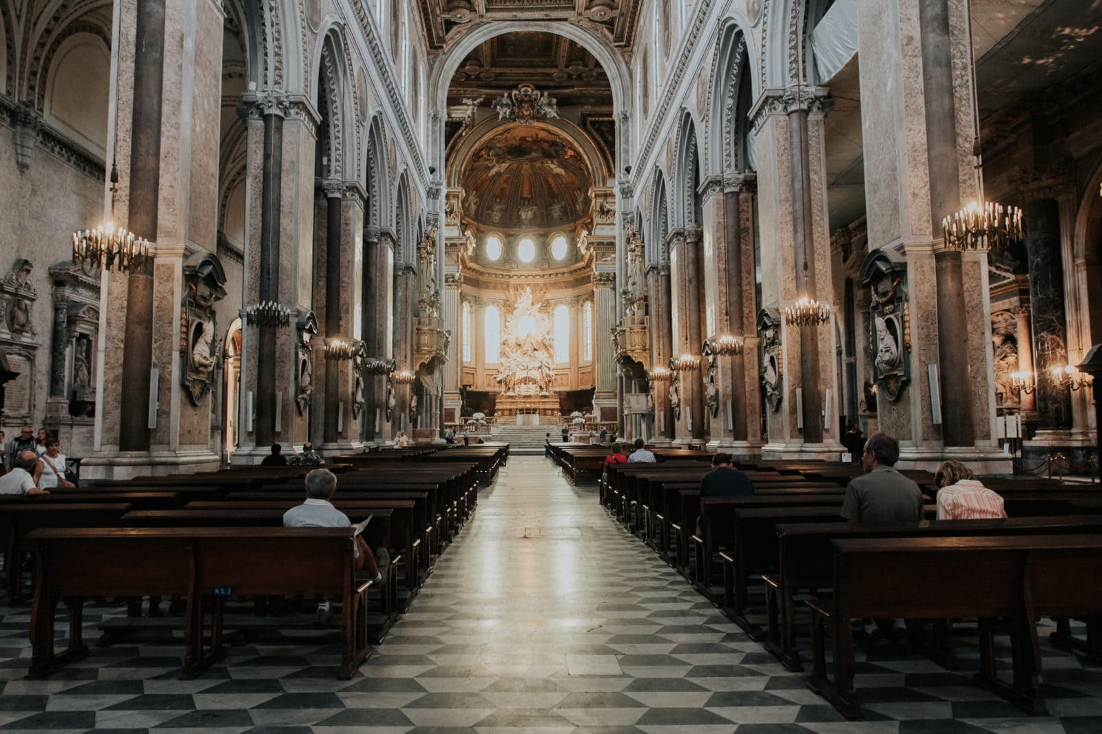 Neapel Sehenswürdigkeiten Duomo innen