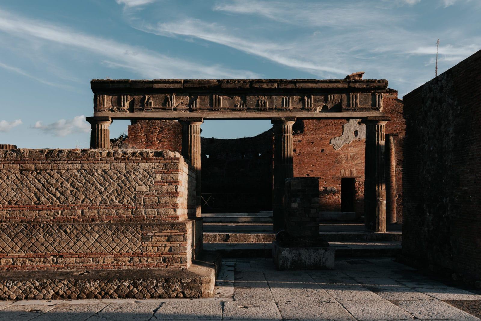 Pompeji: Von Mumien und bissigen Hunden. 12