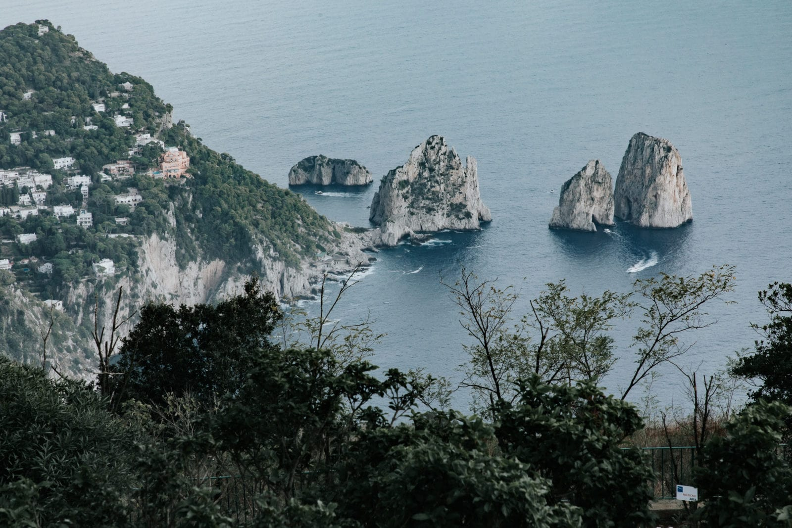 Capri Faraglioni Felsen vor Insel