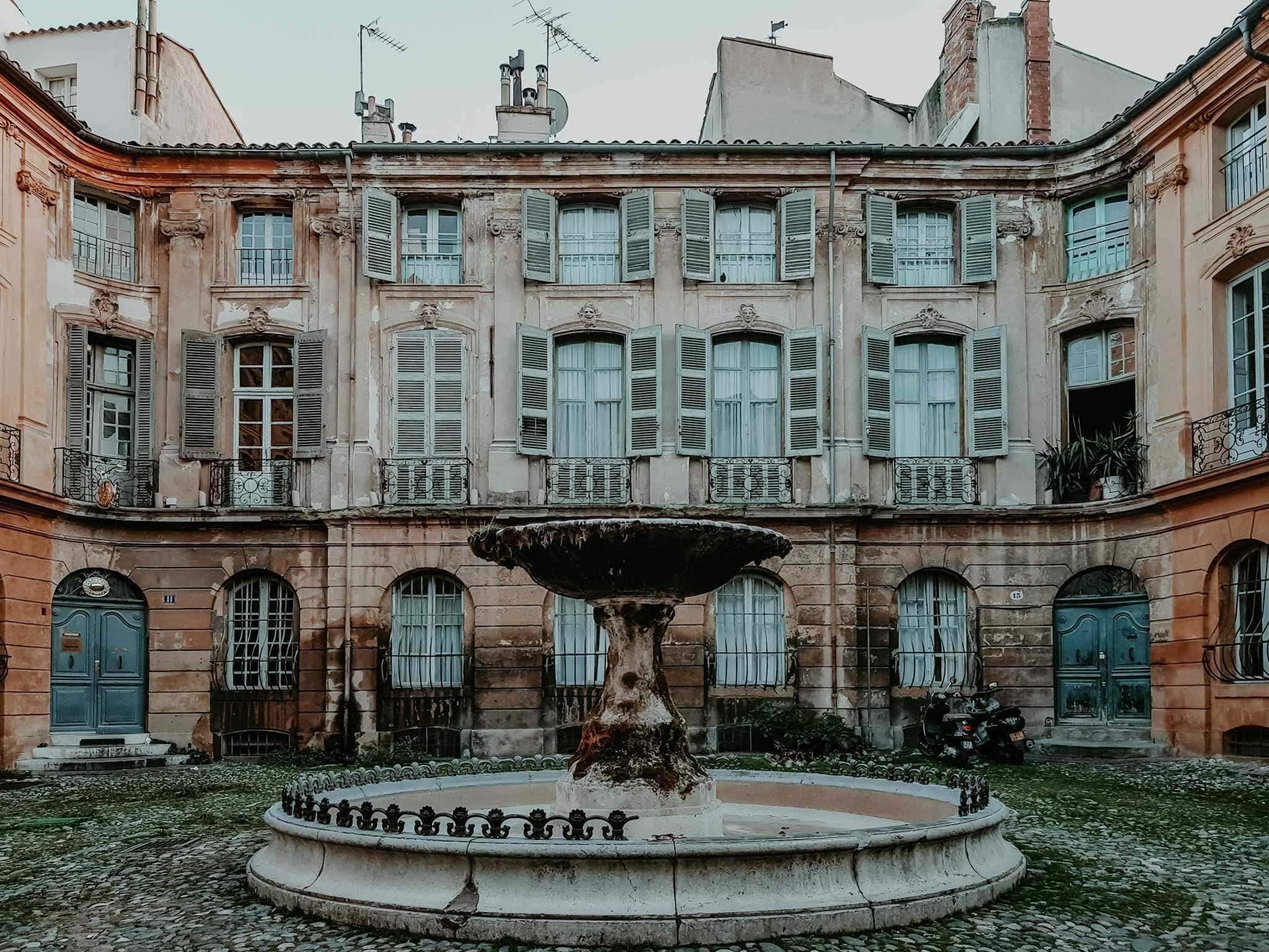 Brunnen Place d'Albertas Aix Frankreich
