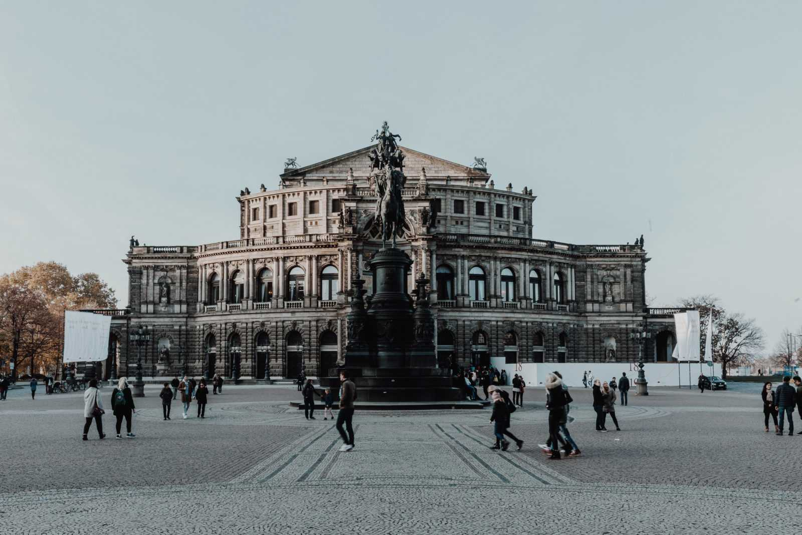 Semperoper Dresden Theaterplatz