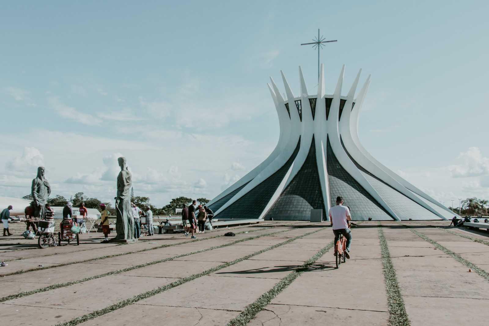 Brasilia Sehenswürdigkeiten Catedral Metropolitana