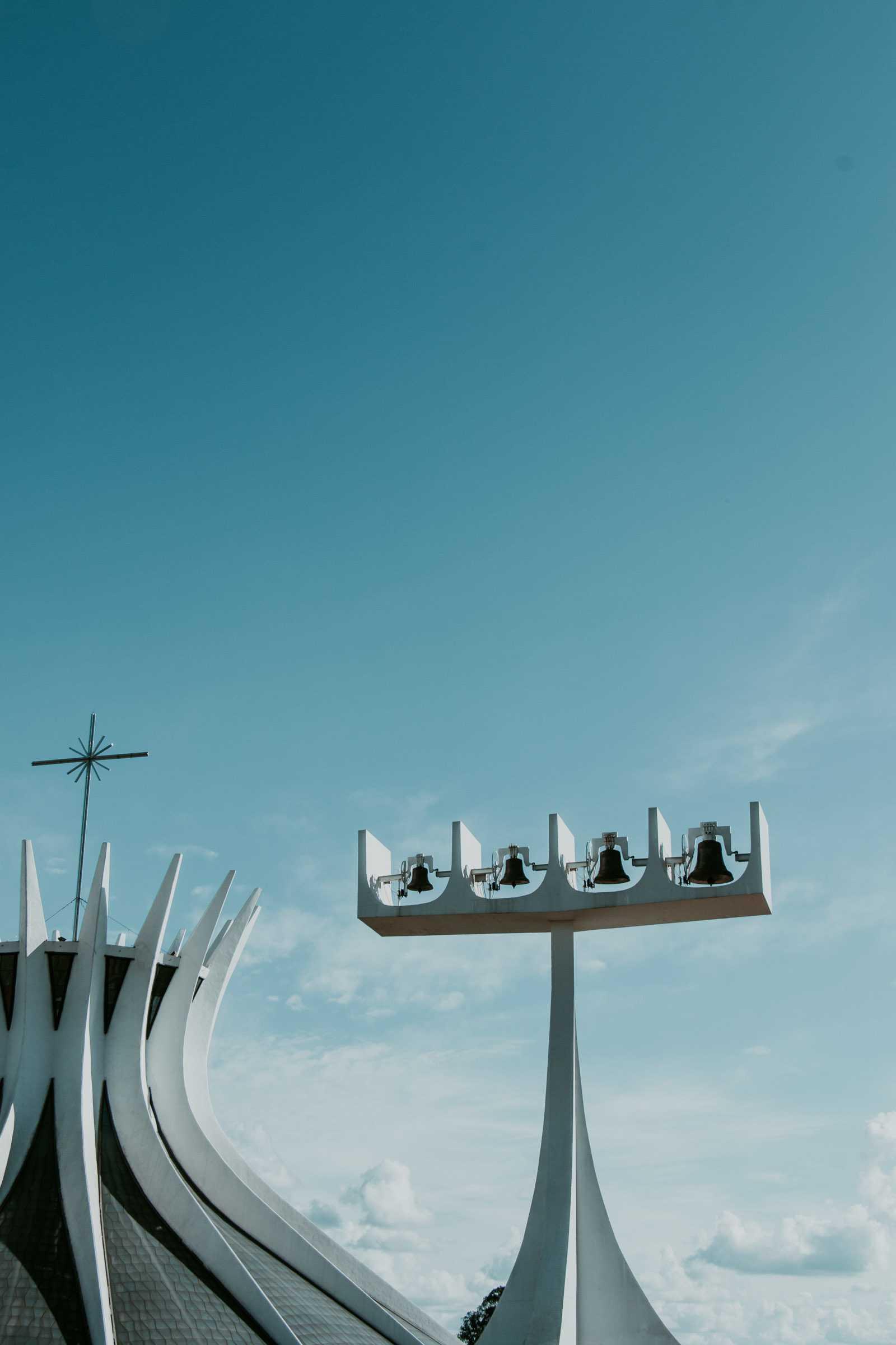 Kathedrale Brasilia mit Glockenturm