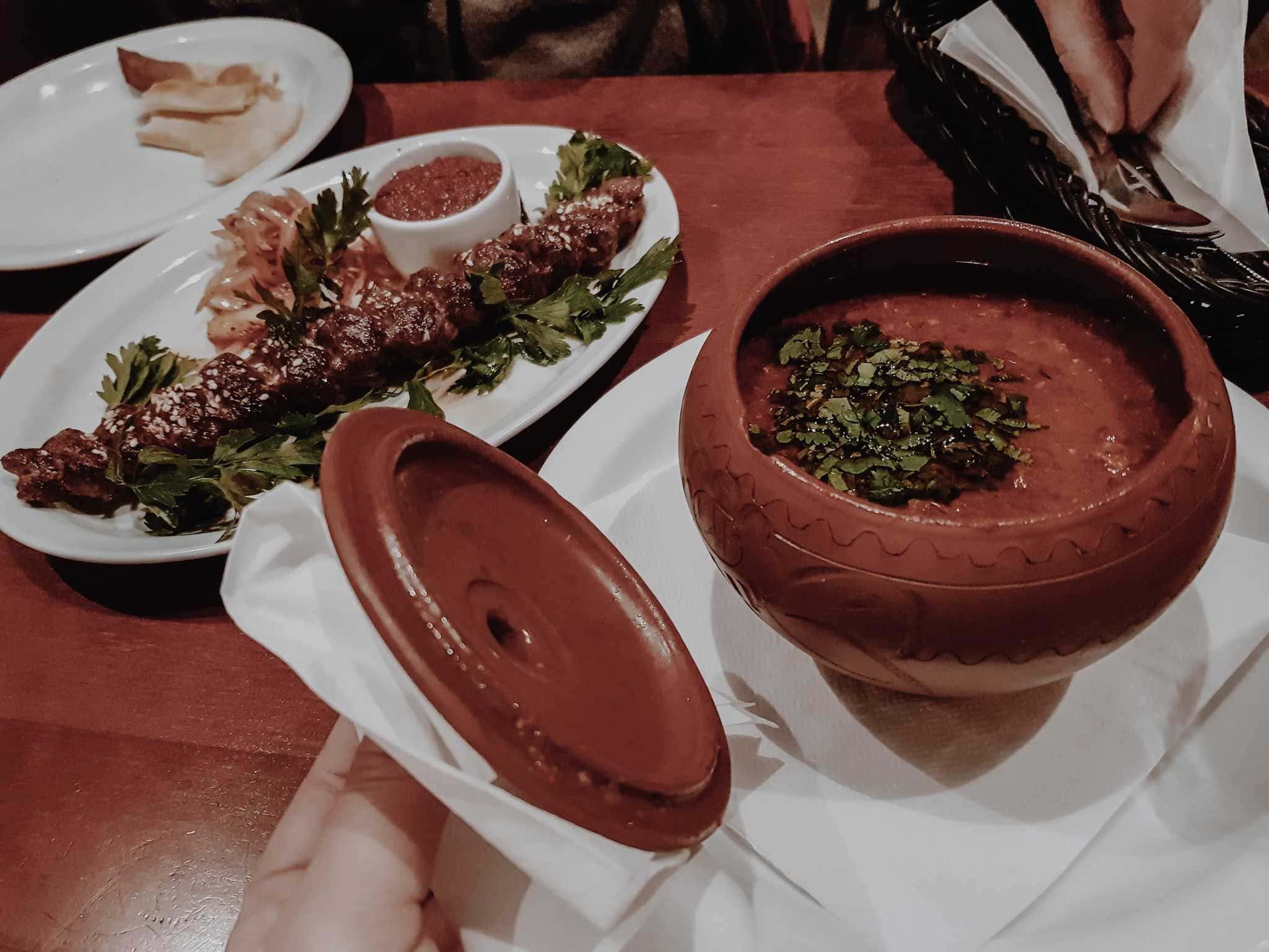 Breslau Sehenswürdigkeiten Georgisches Restaurant Essen
