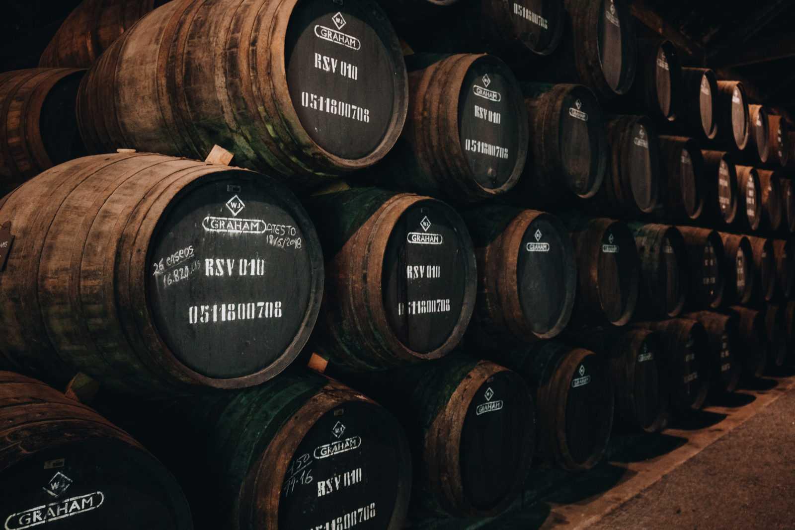 portwein porto Fässer kellerei Weinprobe