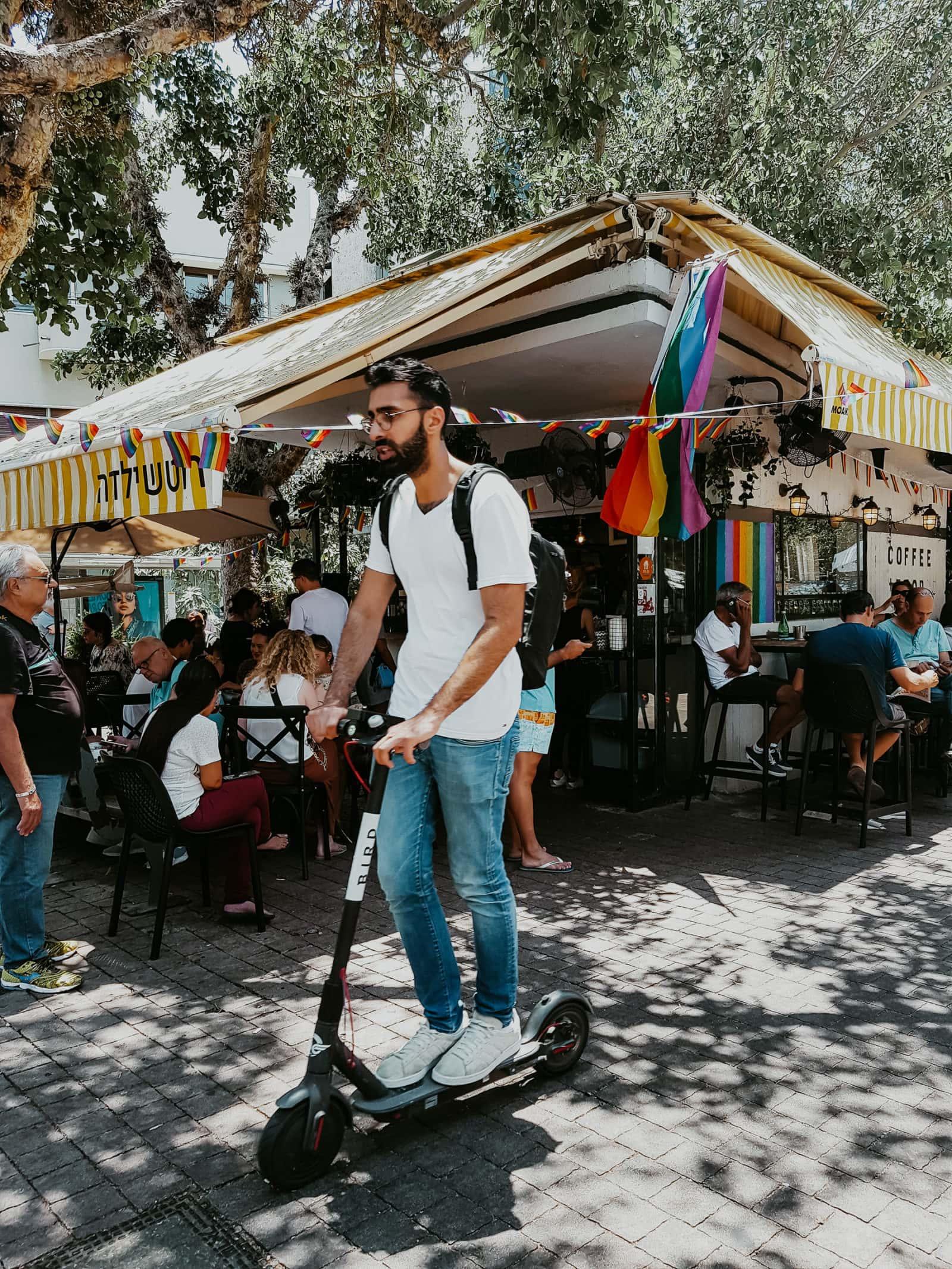 Tel Aviv Sehenswürdigkeiten Gazoz Buden Kiosk Cafés Rothschild Boulevard
