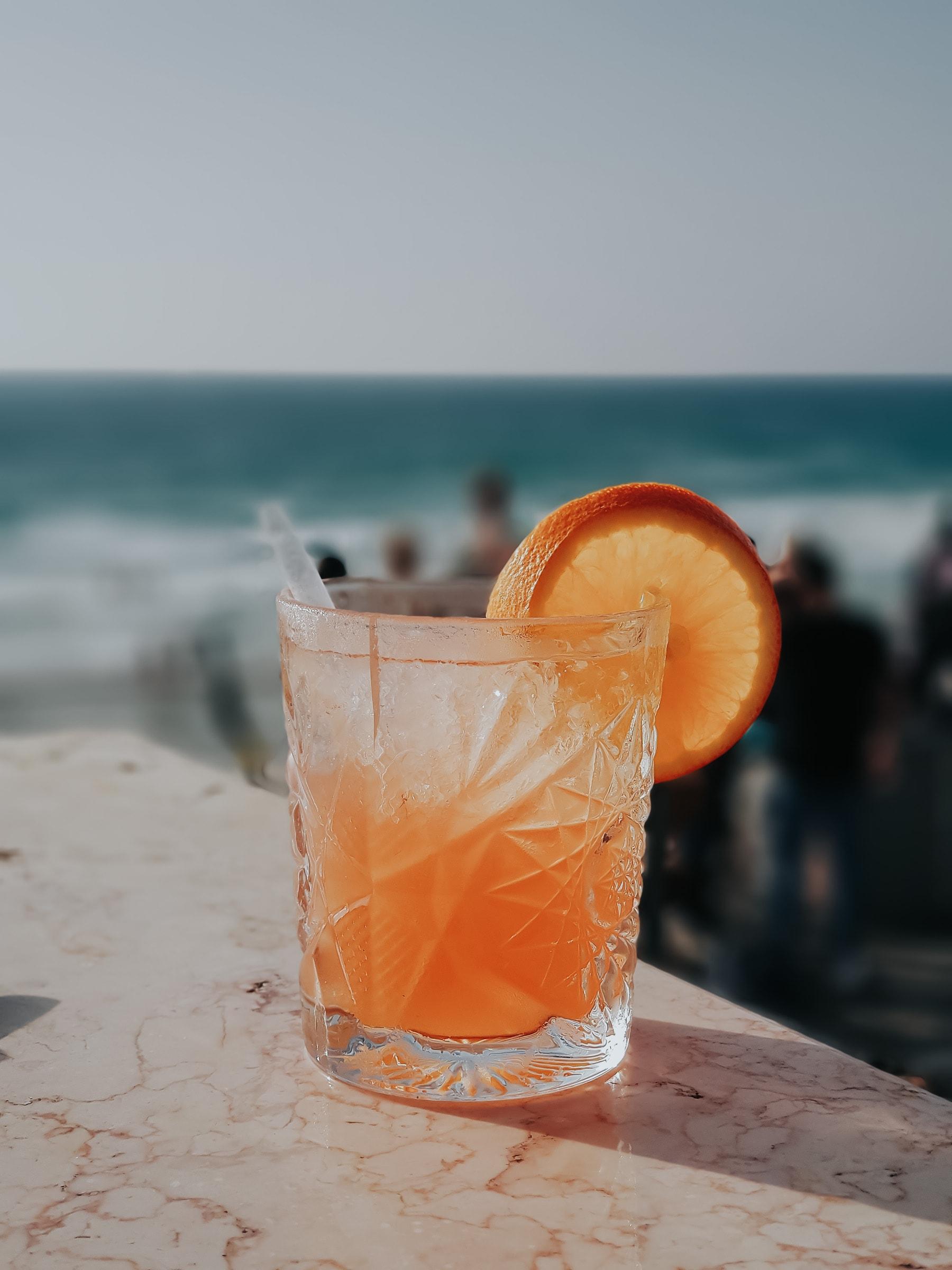 Tel Aviv Cocktail Bar am Strand Alma Beach