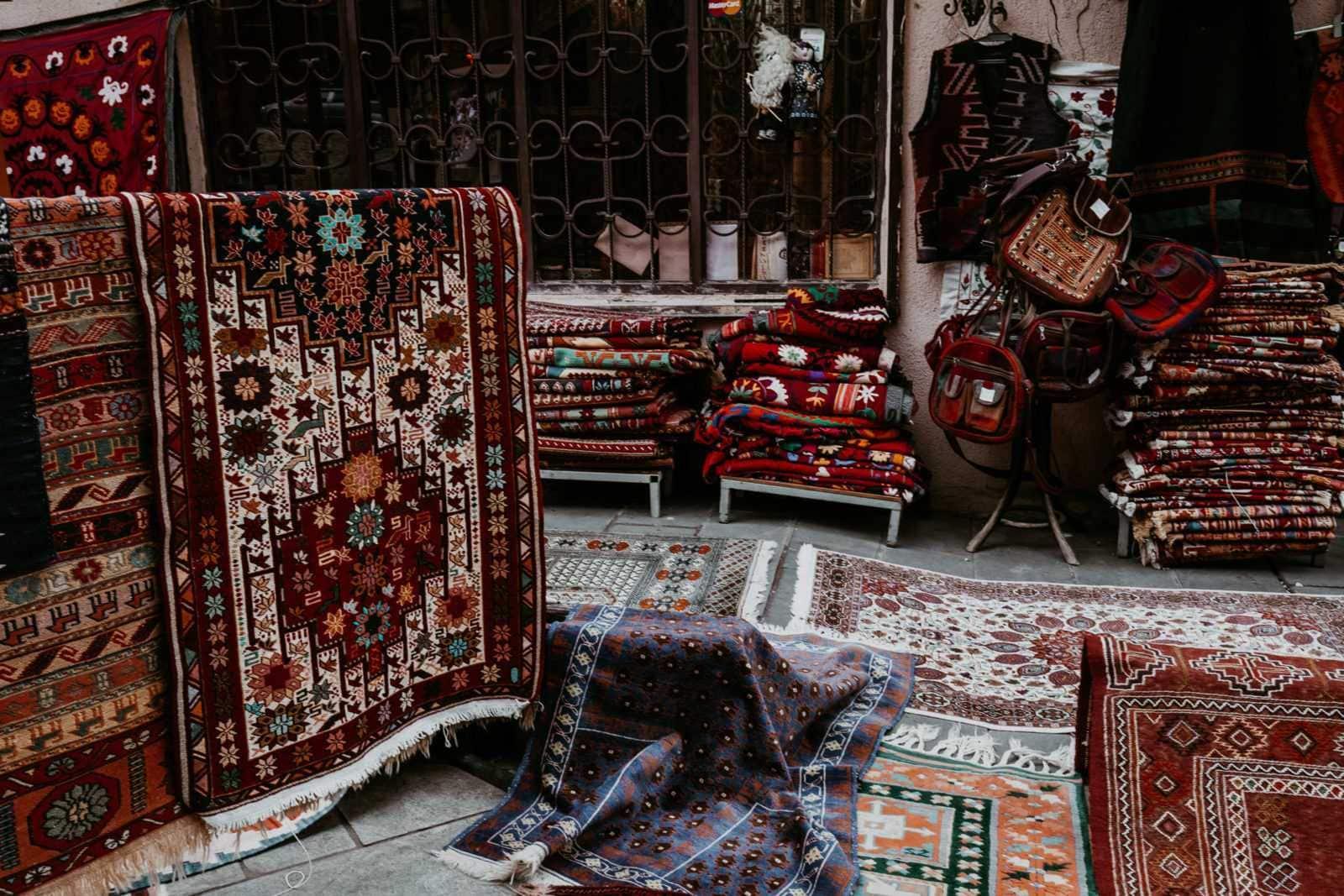 Tiflis Sehenswürdigkeiten Teppiche Markt