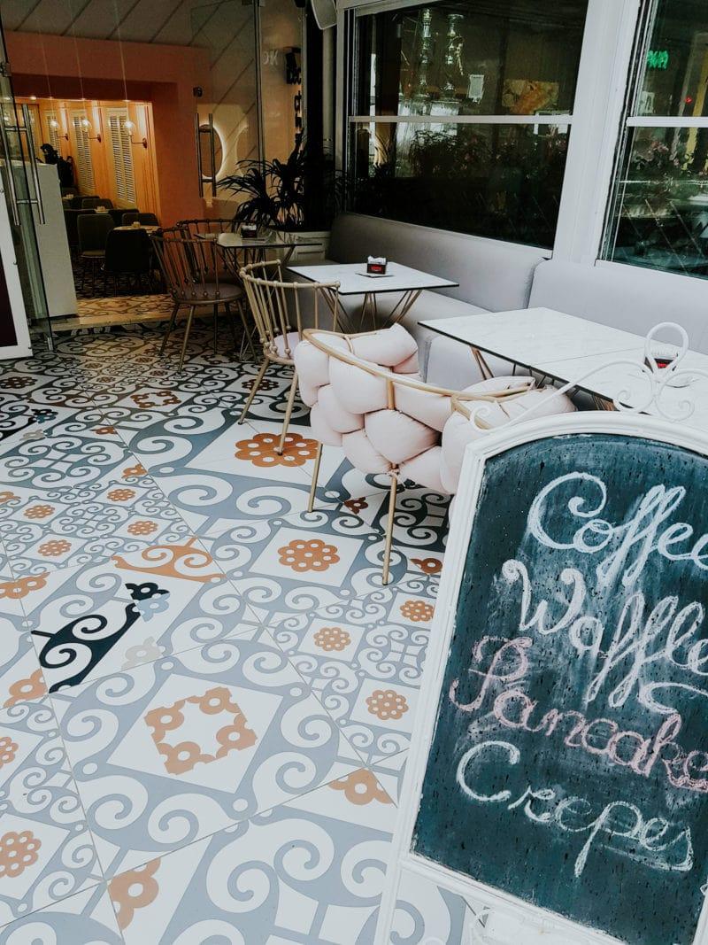 Café in Tirana Blloku