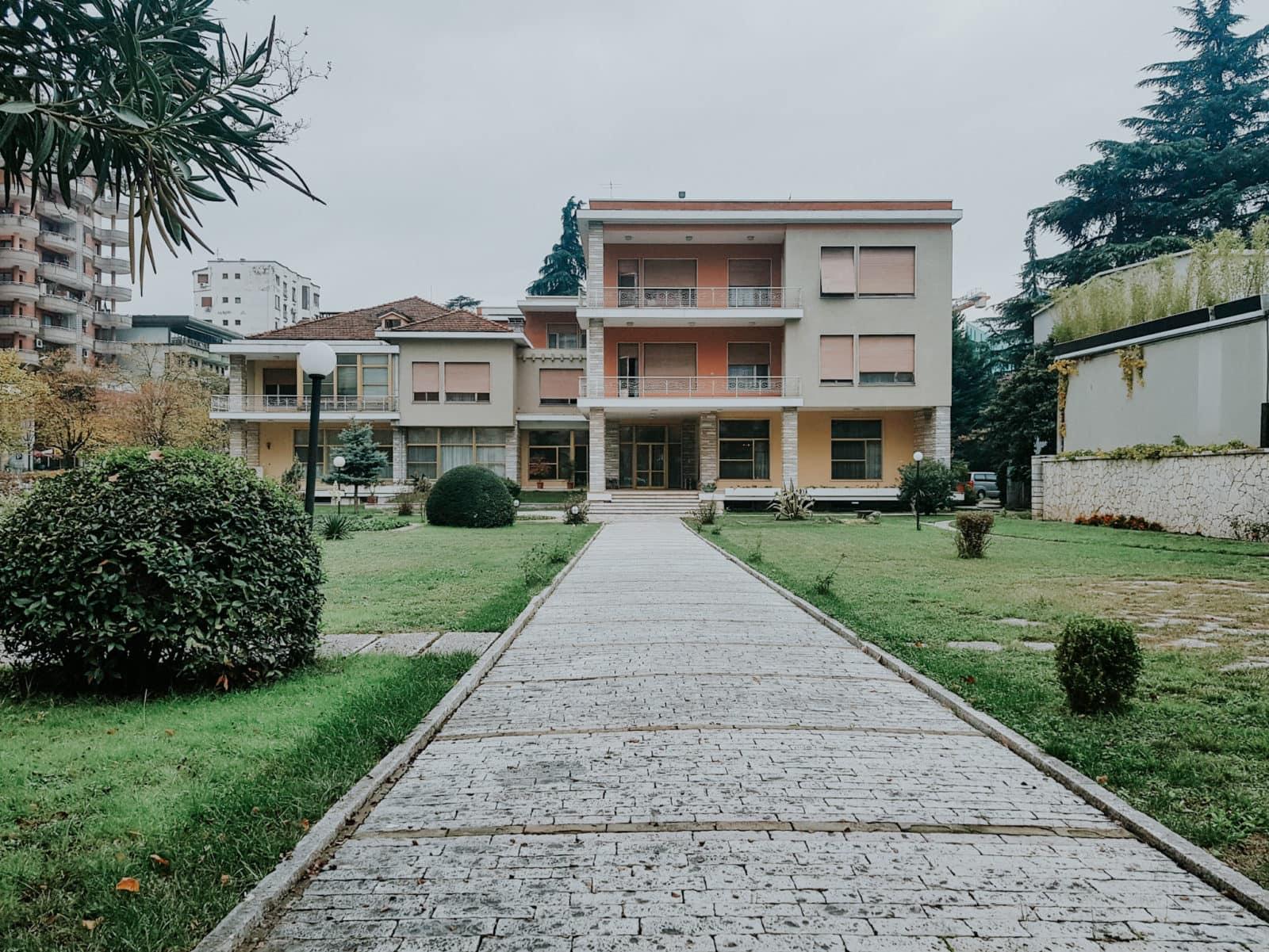 Tirana Sehenswürdigkeiten Villa Enver Hoxha