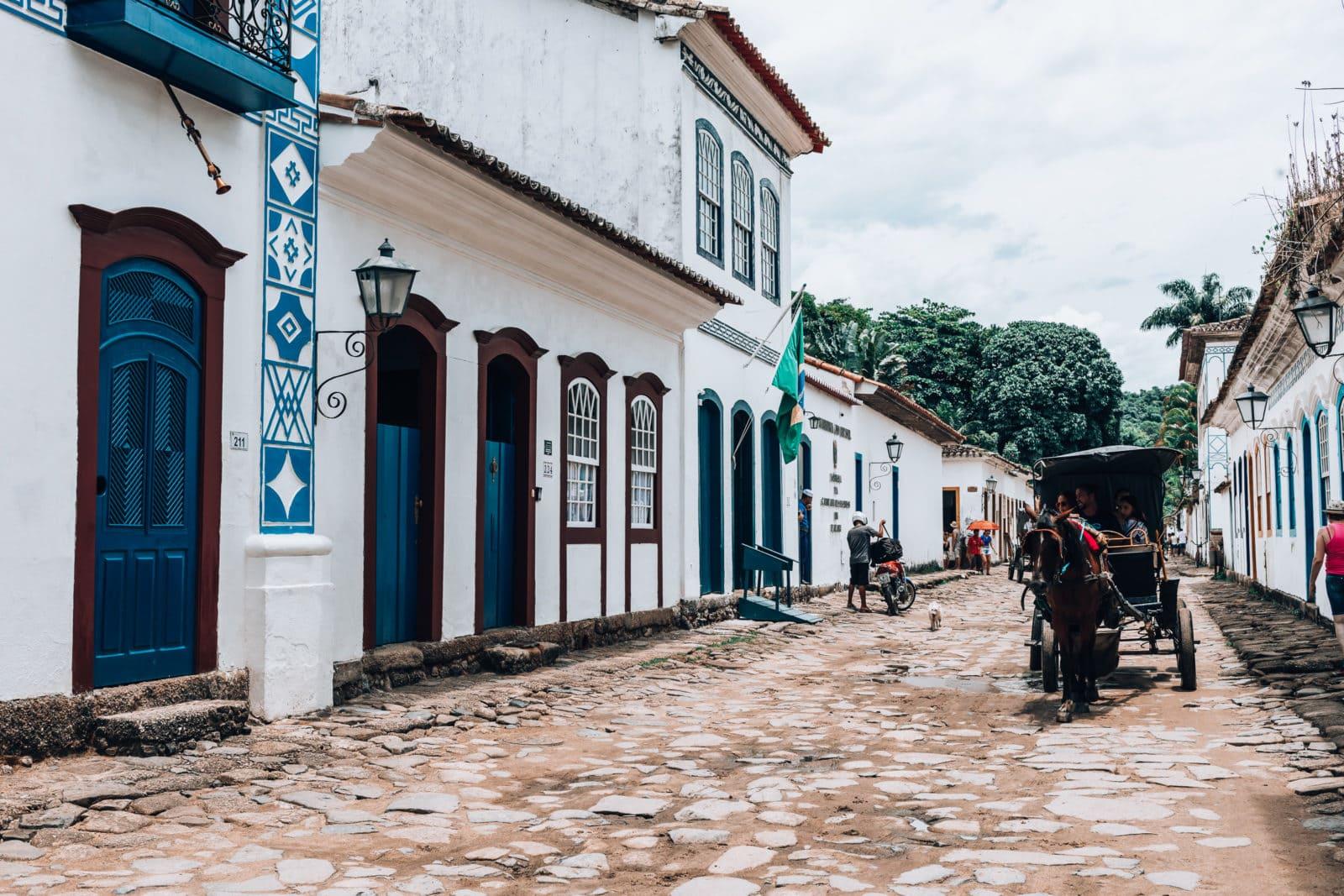 Pferdekutsche in der Altstadt von Paraty