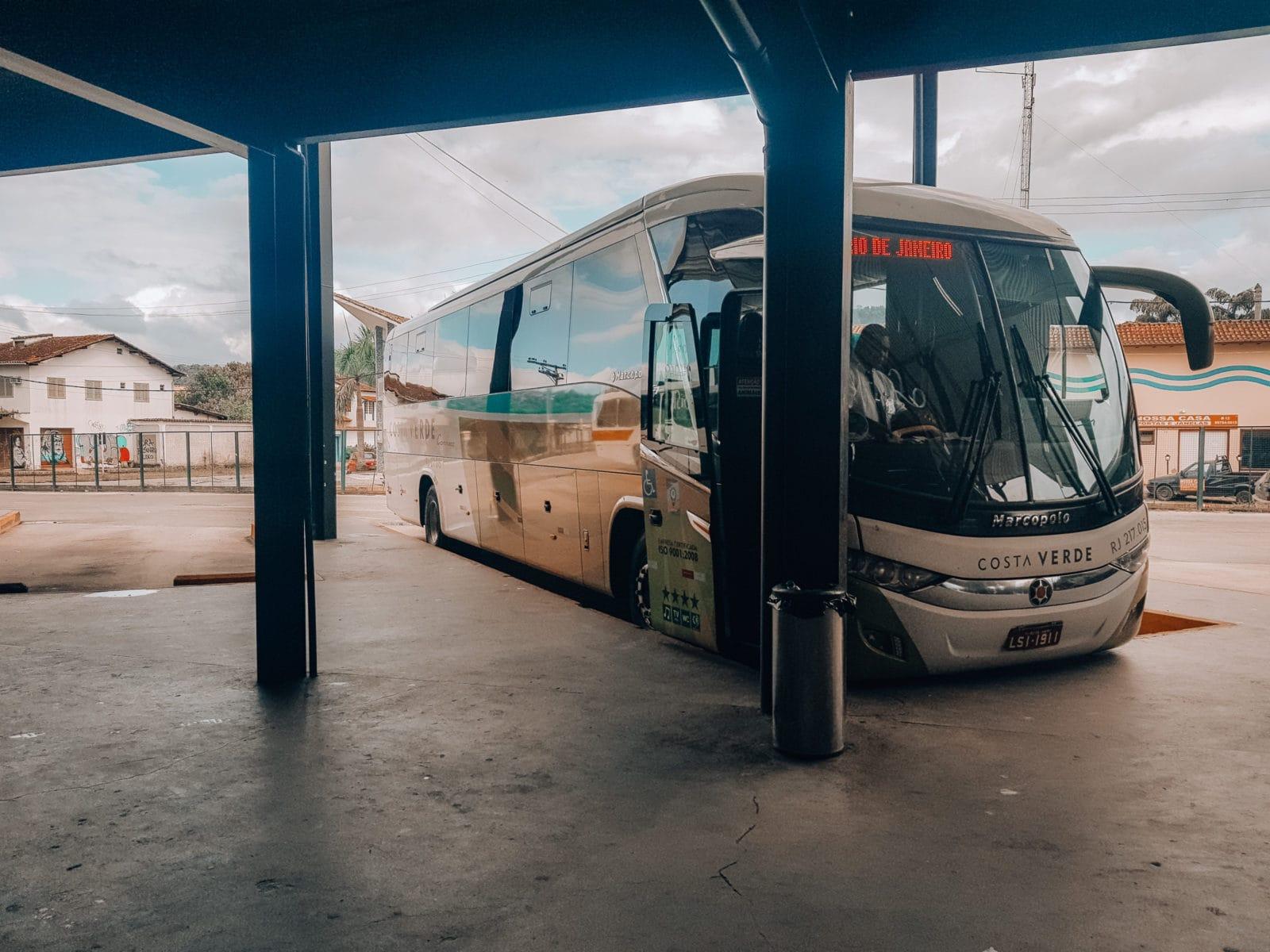 Bus im Busbahnhof von Paraty nach Rio de Janeiro