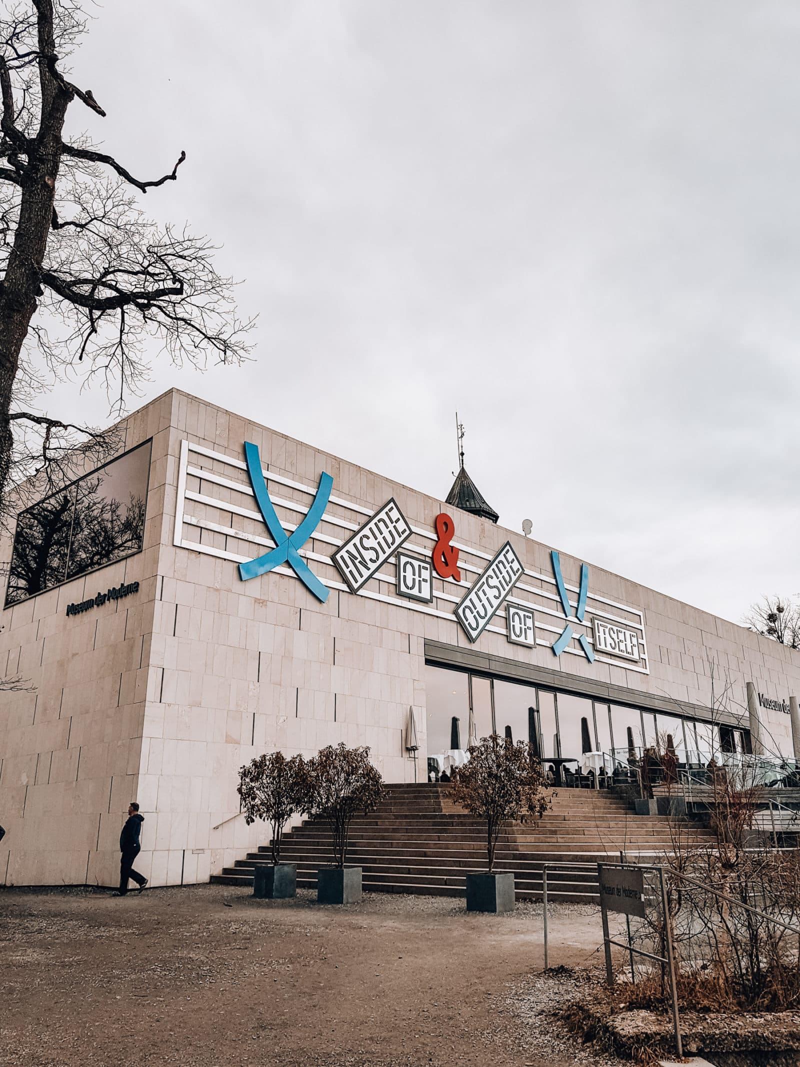 Salzburg Sehenswürdigkeiten Museum der Moderne auf dem Mönchsberg in Salzburg