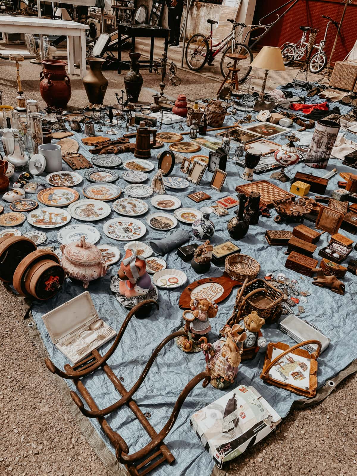 Bargains at the flea market in Consell Mallorca