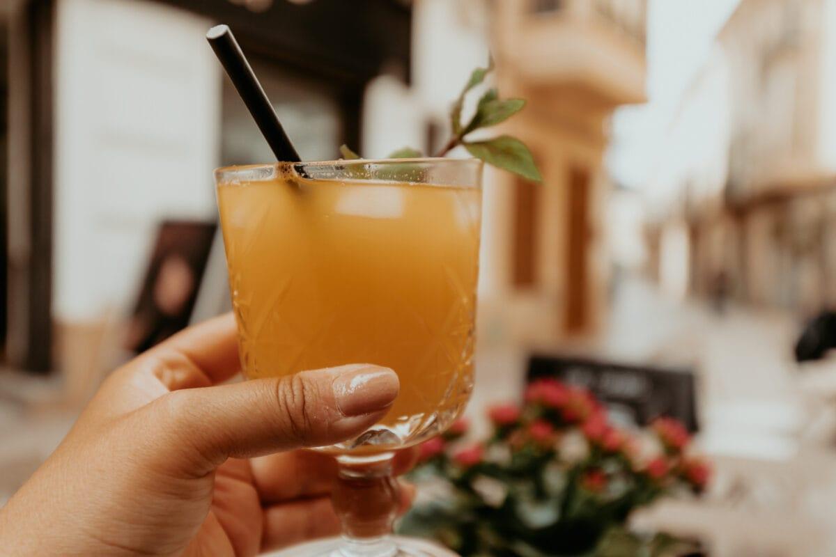 Orangensaft im Café Candela Felanitx