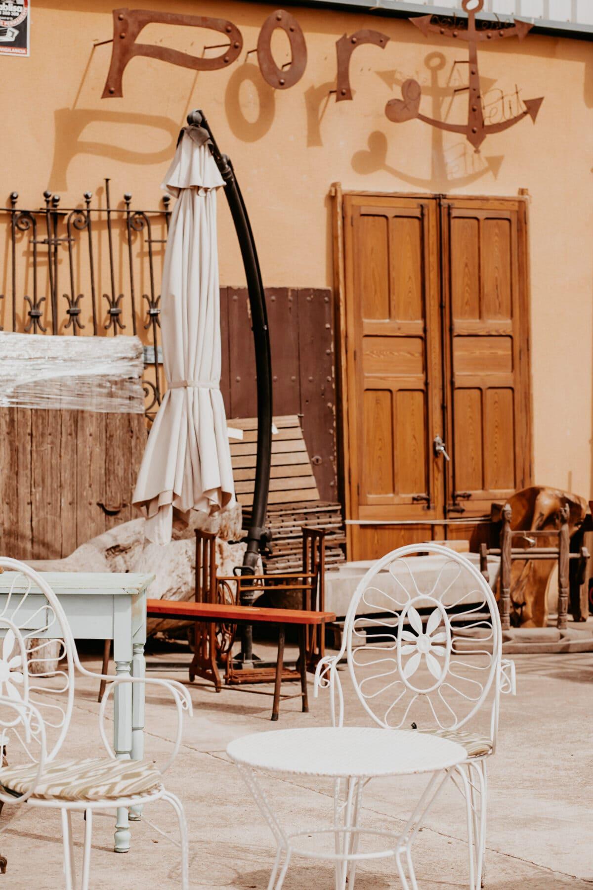 Buy furniture Mallorca flea market