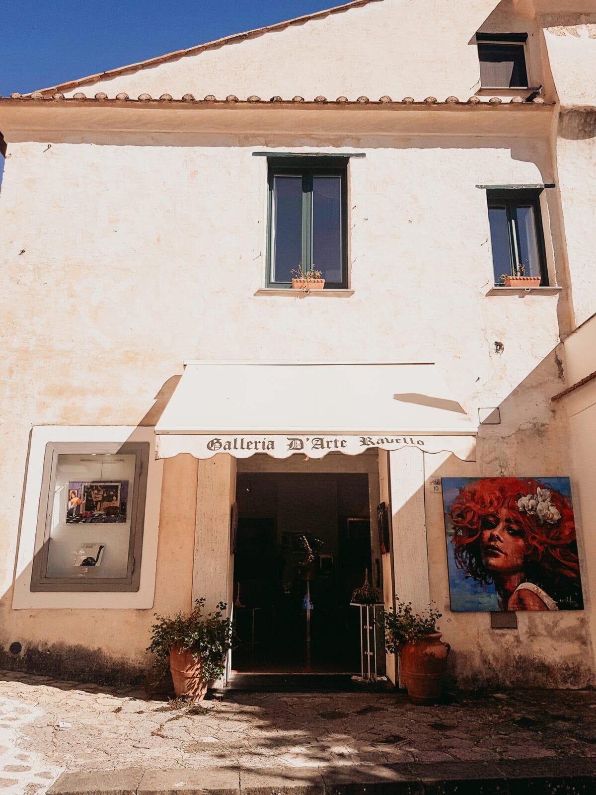 Galerie mit Kunst in Ravello