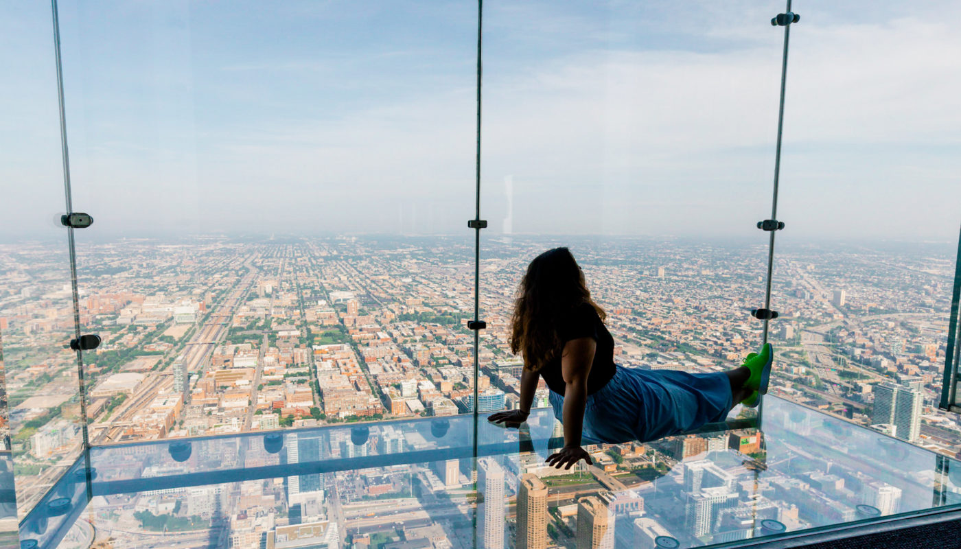 Best Things to do in Chicago Skydeck Ledges